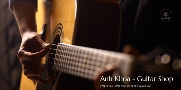 guitar hội an