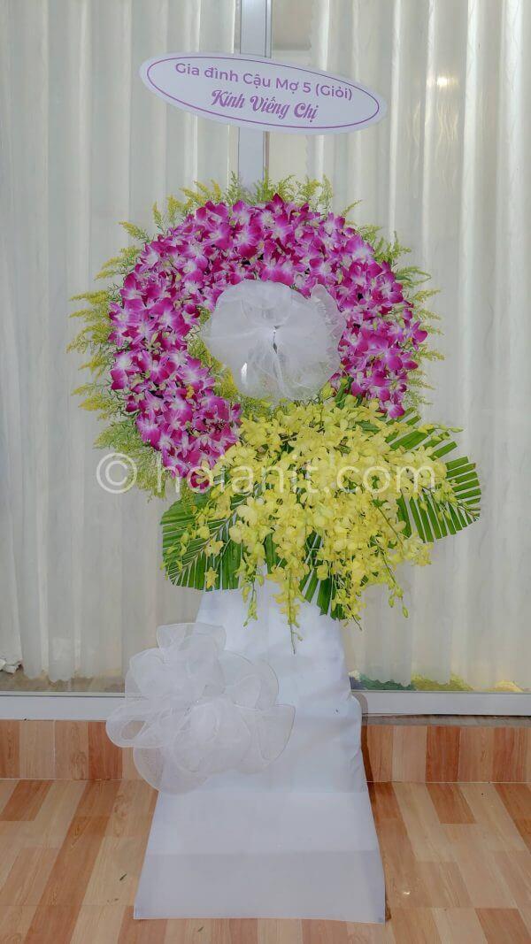 Vòng hoa chia buồn