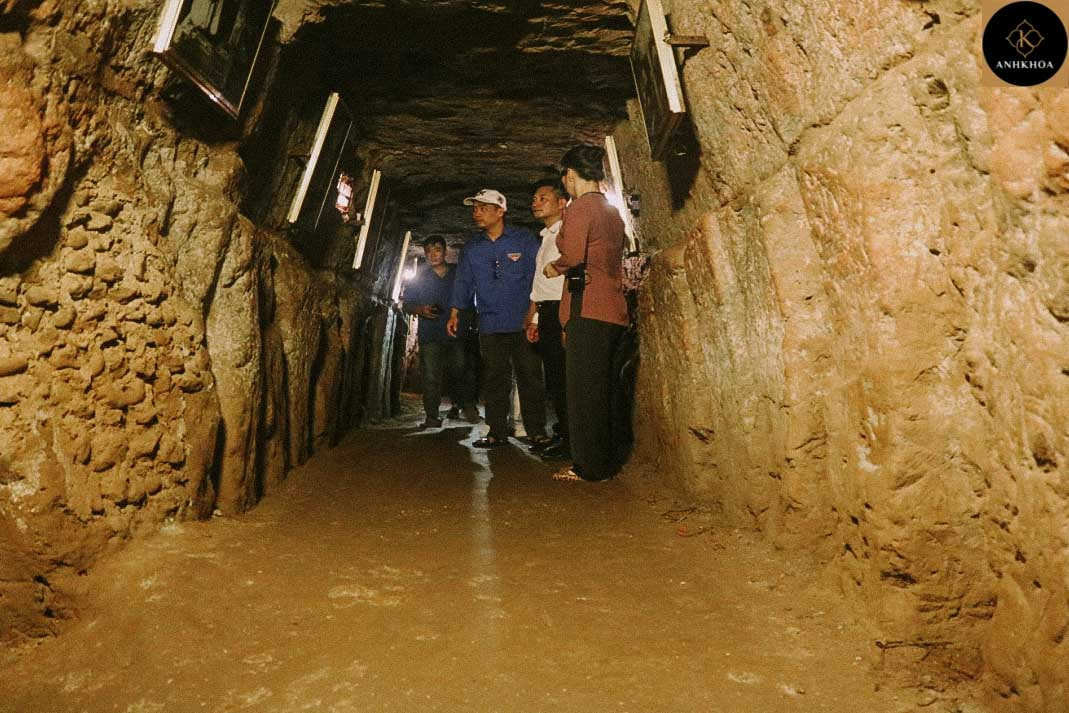 from hoi an to Vinh Moc Tunnels by car